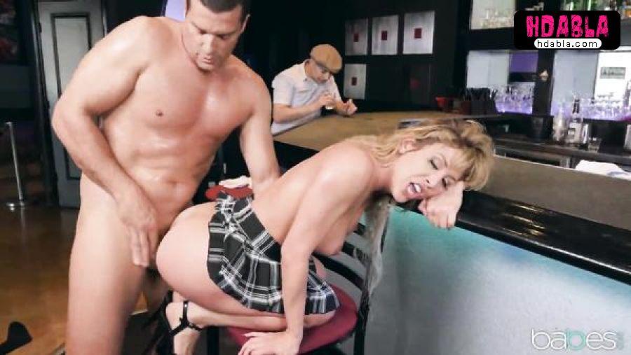 Sarhoş barista kızdan faydalanıyor sert anal ilişki izle