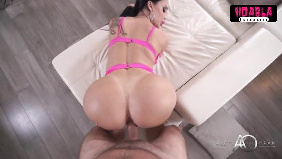 Ünlü pornocu Aletta Ocean koca götüyle domalıyor
