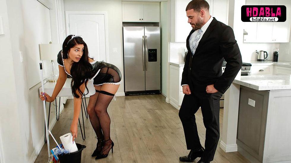 travestiye hizmetçi kostümü giydirip sikti