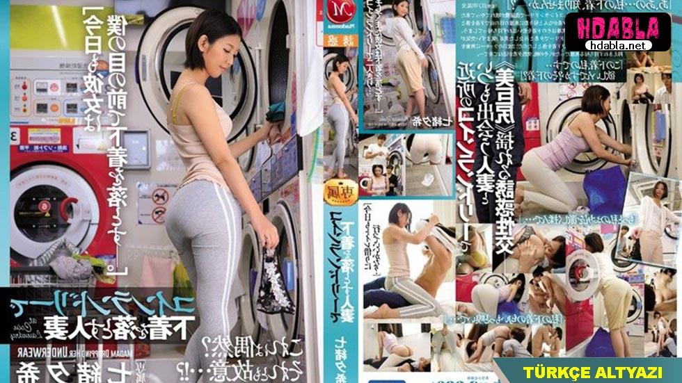 Evli kadın çamaşırhanede tanıştığı adamla uzun japon porno