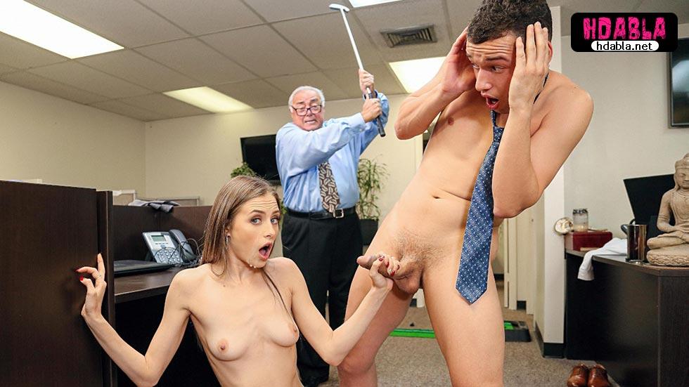 Ofiste gizli kamera koyarak dikizlediği kadına yakalandı