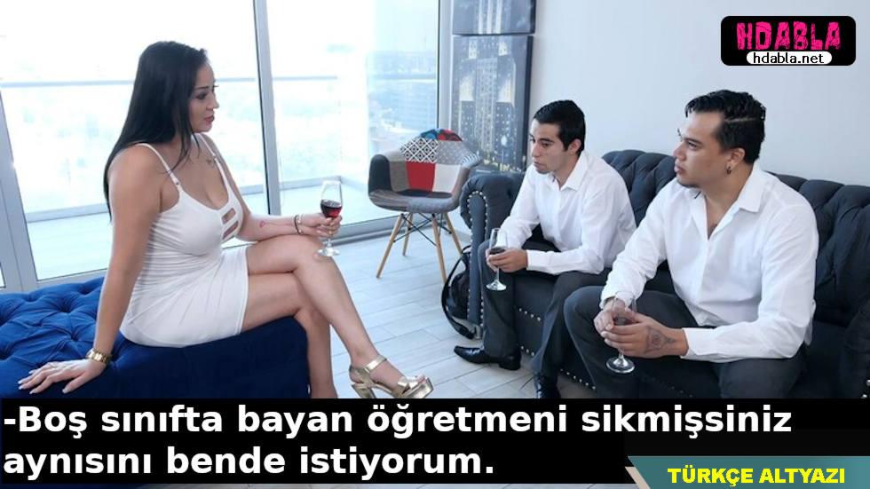 İki erkek öğrencisini eve davet eden bayan öğretmenin istekleri vardır