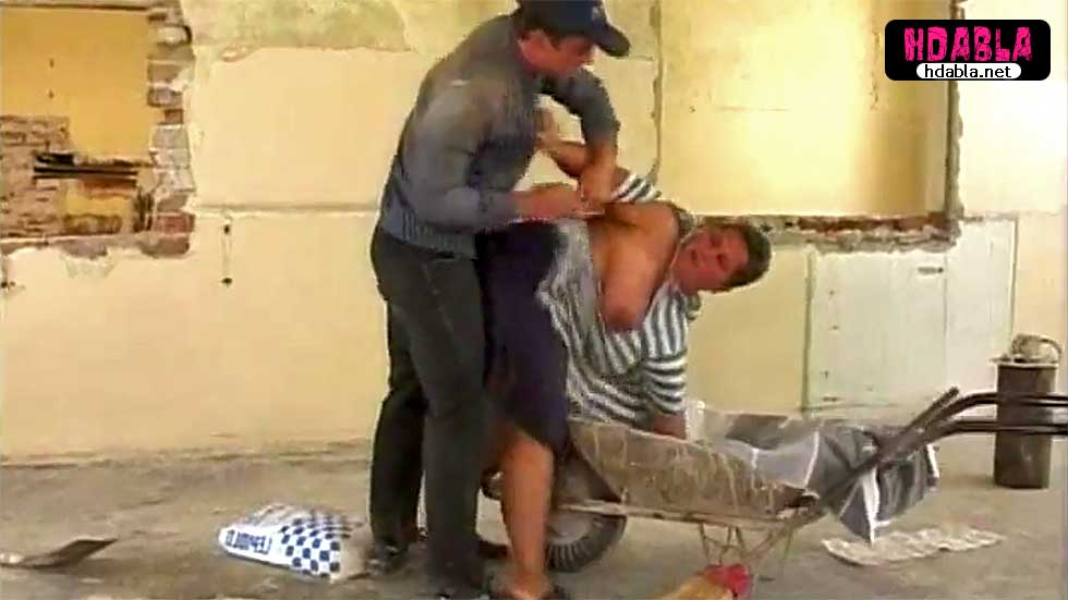 Mahalledeki şişman dul kadını inşaata götürüp tecavüz etti