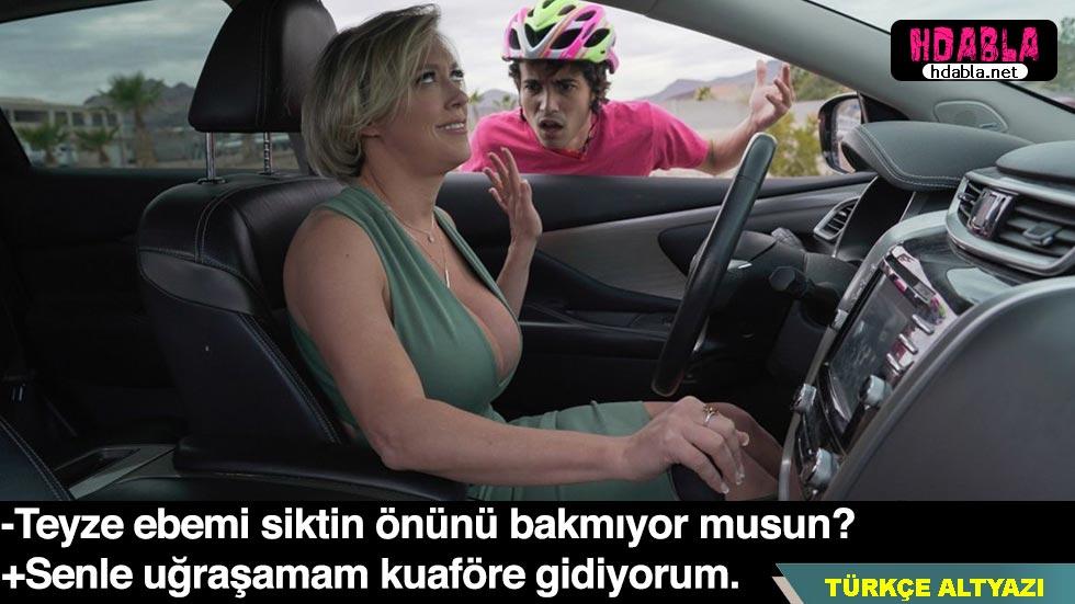 Bisikletli çocuğa çarpan kadın özür için onu evine götürdü