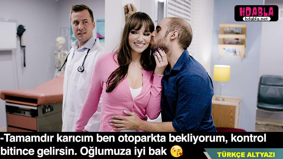Hamile kadın eşi kapıdayken içeride doktora amını dölletiyor