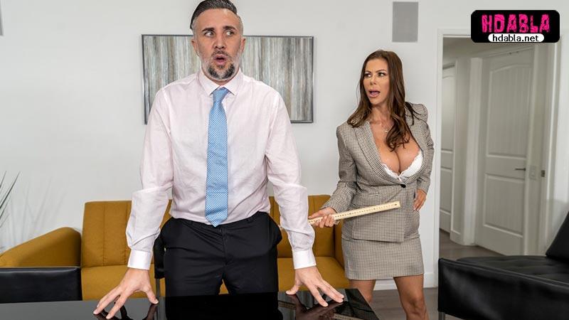 İş başvurusuna gelen erkeklerle sikişen iri memeli dul patron