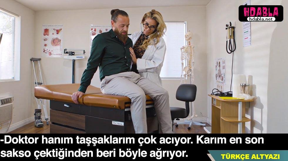 Üroloji doktoru taşşağında sorun olan hastasına sakso çekti