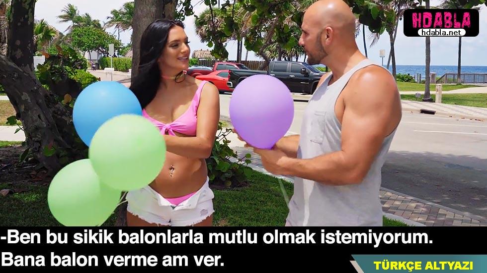 Kaba herif sokakta balon dağıtan kızdan amını istedi
